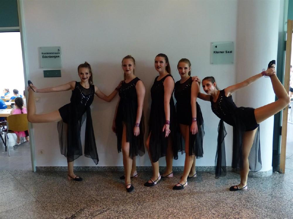 Tanzgruppe Returns